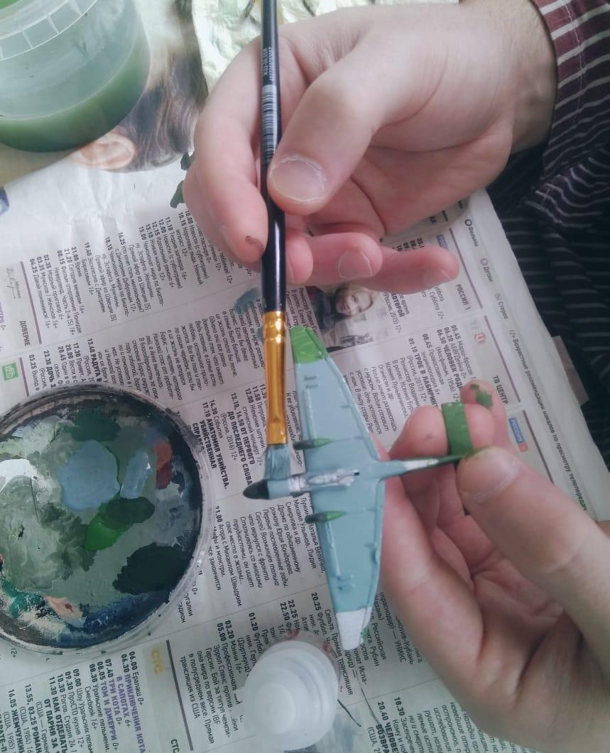 В арт-студии больницы им. Ганнушкина смоделировали военную технику